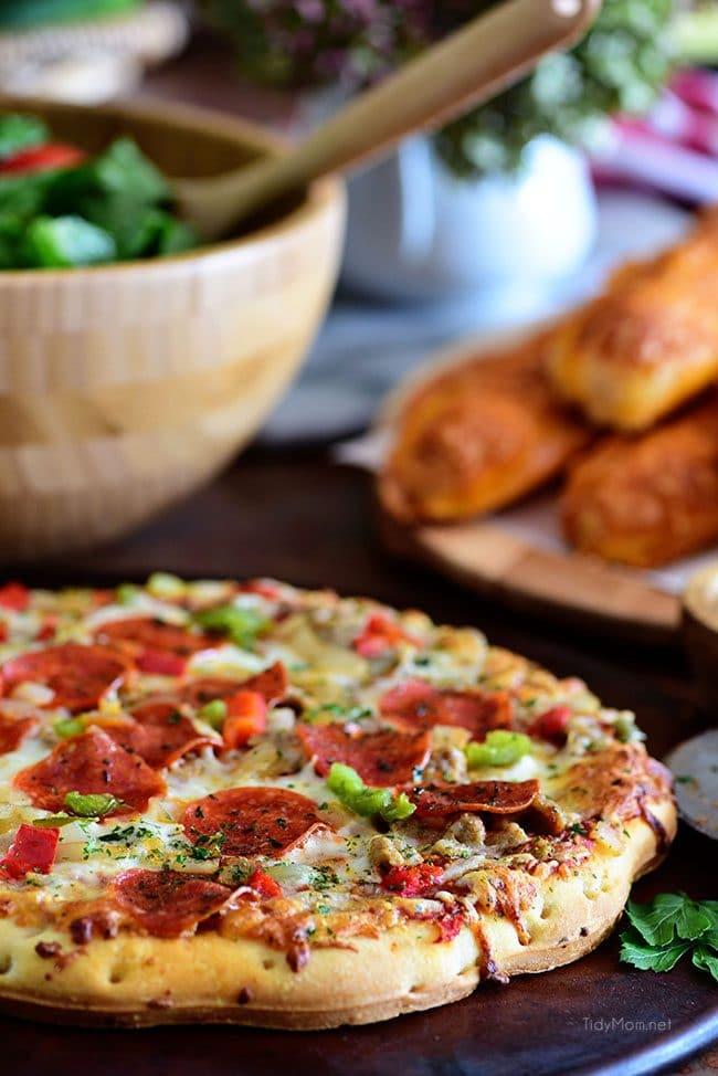 Fall Entertaining with DiGiorno pizzeria! pizza pic