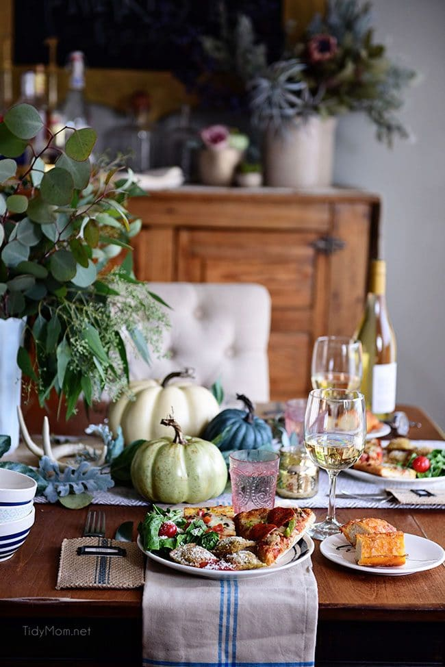 Fall entertaining. Simple and elegant. Green and blue fall tablescape with a stress-free, hot from the oven meal idea. Get all the fall entertaining ideas and tips at TidyMom.net