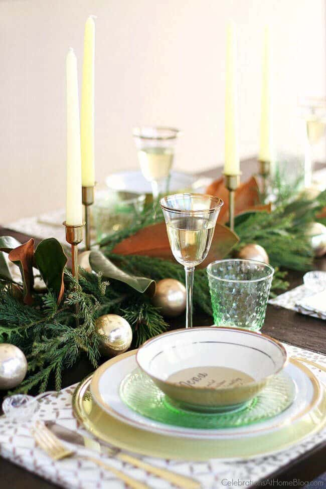 christmas-brunch-green-gold-christmas-tabletop-design