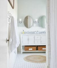 farmhouse bathroom via ThistlewoodFarms.com