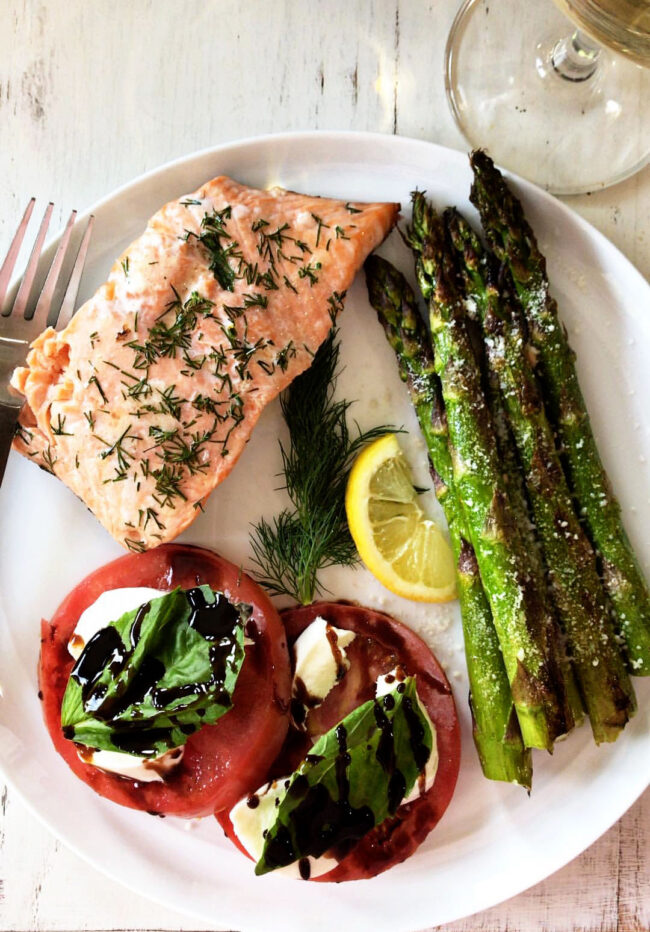 grilled-salmon-dinner-plate-image
