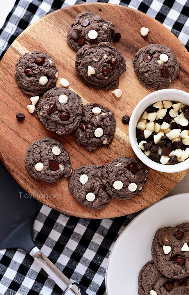 Amazing Cookies & Cream Oreo Pudding Cookies on wood tray