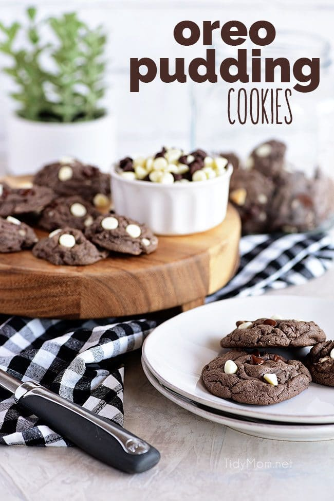 Amazing Cookies & Cream Oreo Pudding Cookies - So soft and incredibly easy to make.