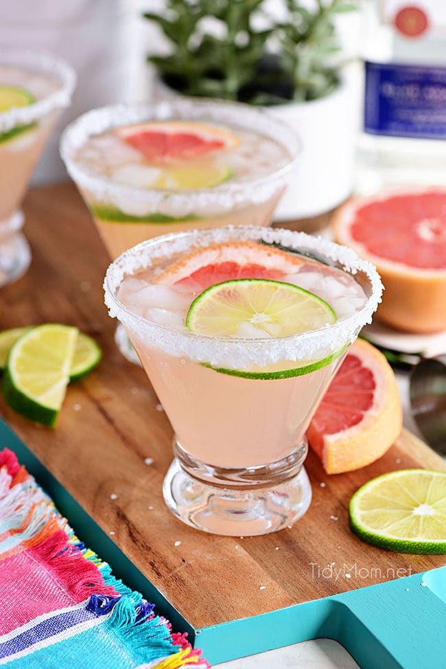 The Perfect Paloma Cocktail with lime and grapefruit