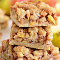 Apple Pie Bars With Crumb Topping