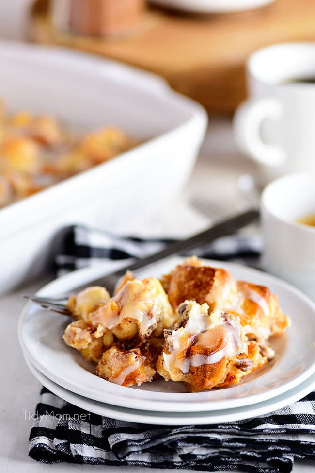 Cinnamon Roll Peach Cobbler with vanilla glaze
