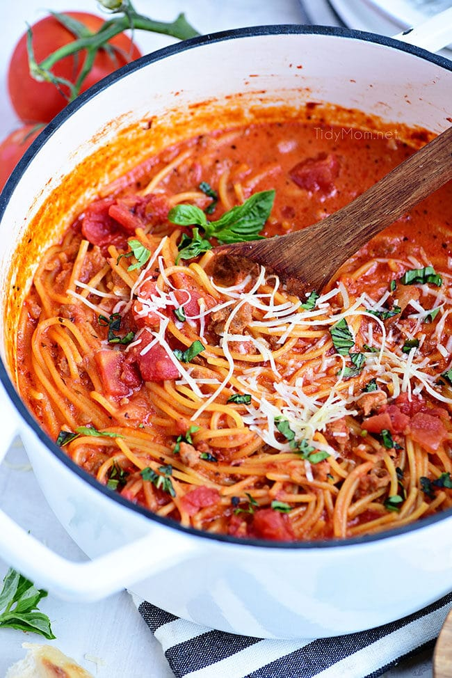 Easy One-Pot Spaghetti in white dutch oven