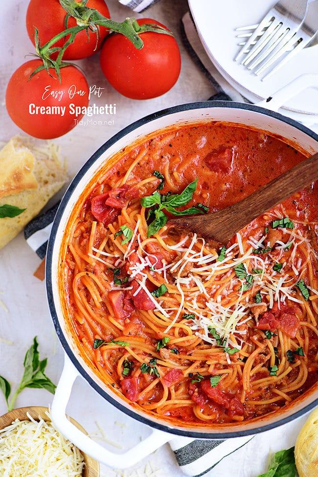 Easy One-Pot Spaghetti in a white pot