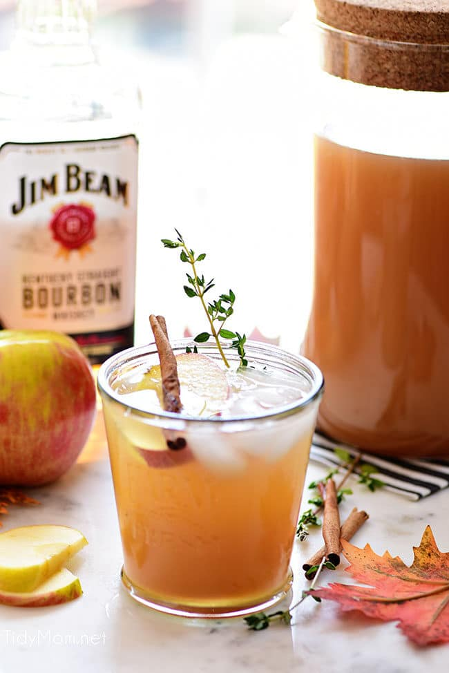 apple cider cocktail with Jim Beam bourbon