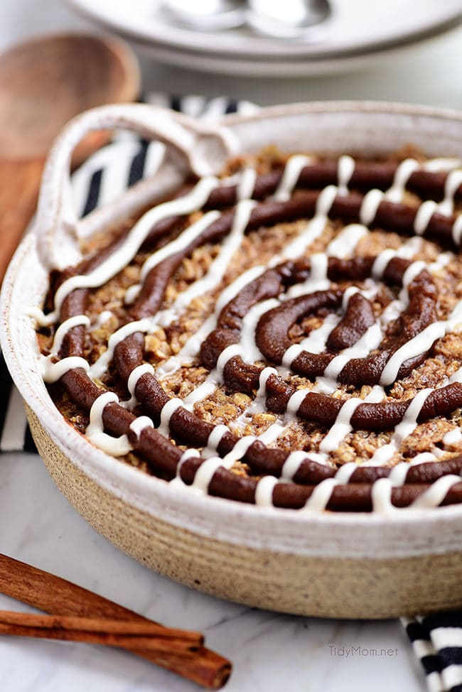 Cinnamon Roll Baked Oatmeal in round dish