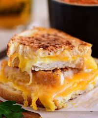 Grilled Cheese Sandwich with gooey cheese