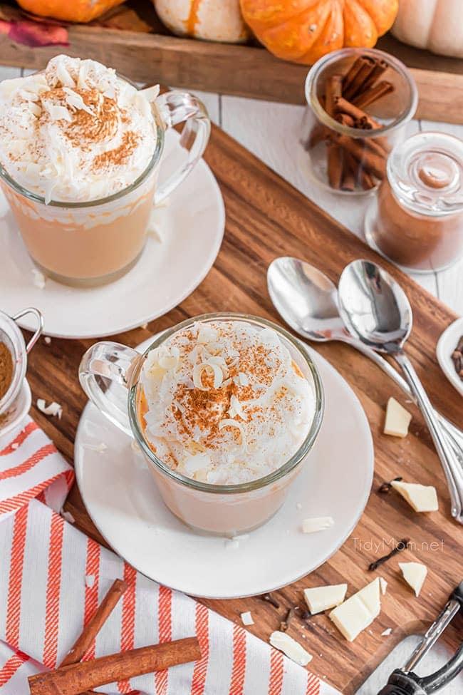 2 mugs of pumpkin spice hot chocolate