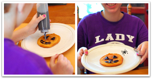 Use a squeeze bottle filled with syrup to decorate pancakes - what a fun jack-o-lantern.